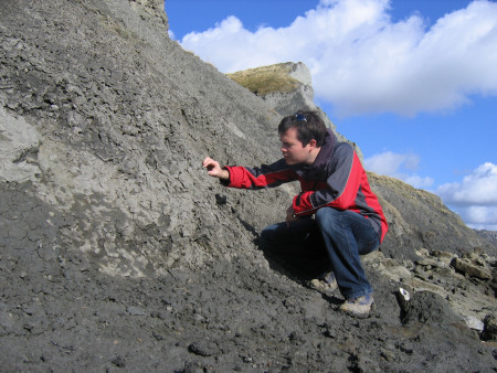 Roy Shepherd fossil hunting at Folkestone